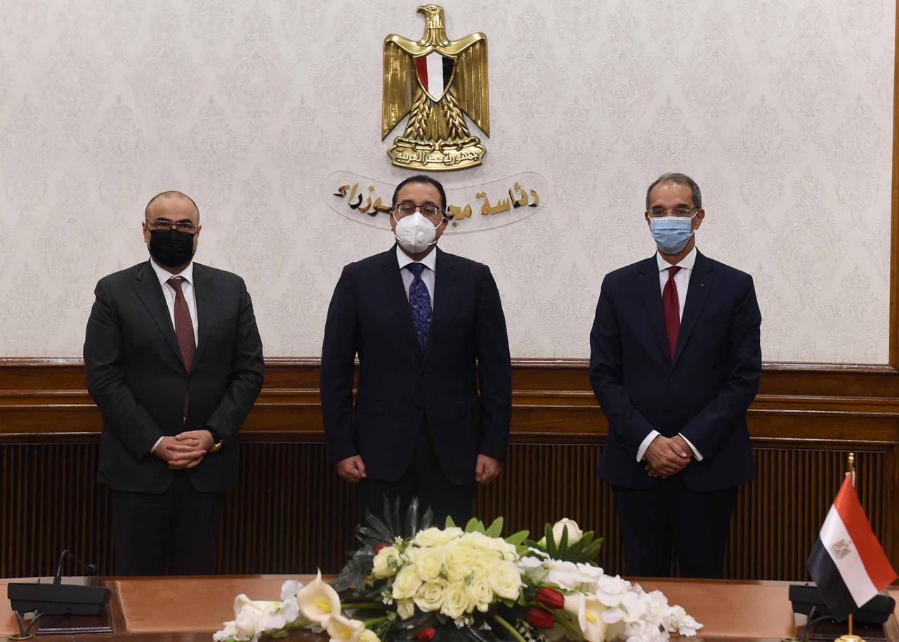 رئيس مجلس الوزراء المصري يلتقي وزير الاتصالات ويحضر توقيع مذكرة التفاهم بين البلدين الشقيقين